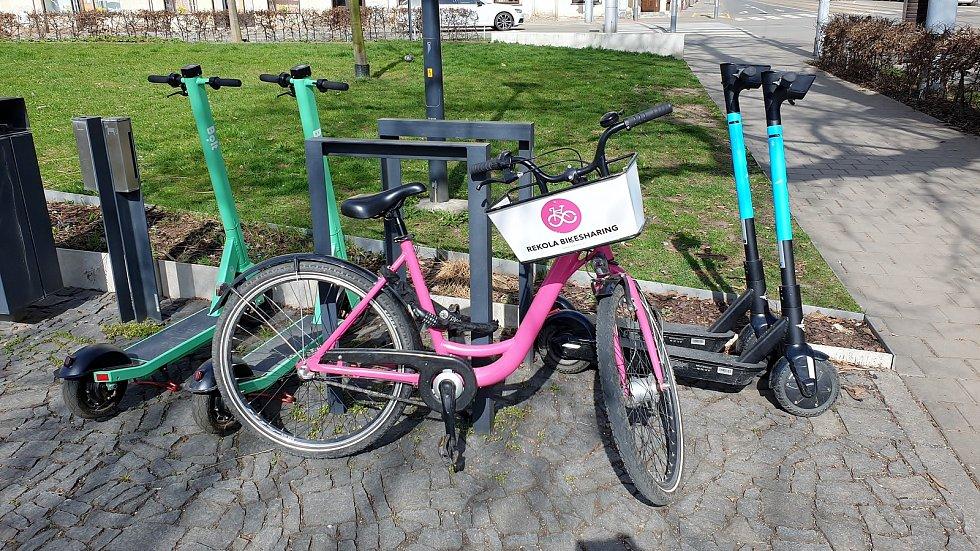 Sdílené elektrokoloběžky a kola, Brno