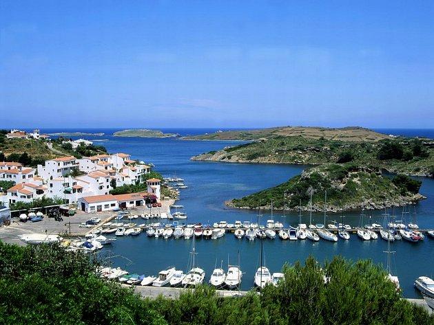 Menorca je po Mallorce druhým největším ostrovem Baleárských ostrovů a leží blízko Španělska.