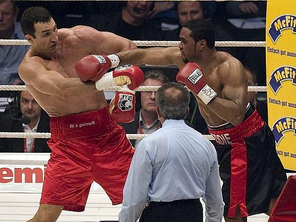 Vladimir Kličko v ringu opět potvrdil svoji nadvládu.