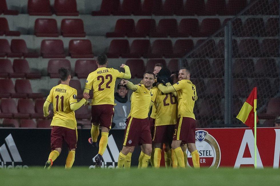 Sparťané se radují z jediného gólu, o který se postaral obránce Costa.