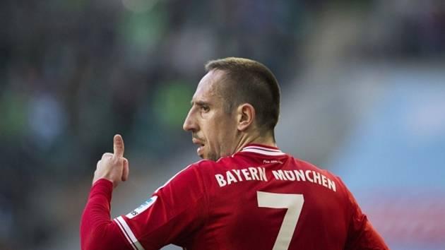 Franck Ribéry z Bayernu Mnichov proti Wolfsburgu.