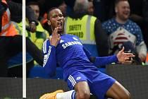 Didier Drogba z Chelsea se raduje z gólu proti Tottenhamu.