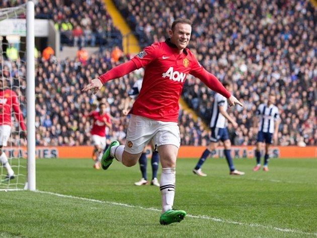 Hvězdný kanonýr Manchesteru United Wayne Rooney se raduje z gólu proti West Bromwichi.