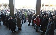 Poslední rozloučení s europoslancem za KSČM Miloslavem Ransdorfem se konalo 29. ledna v Praze.