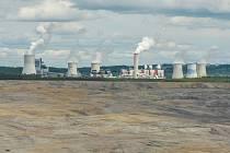 Hnědouhelný důl Turów v Polsku v blízkosti Hrádku nad Nisou na Liberecku na snímku z 25. května 2021