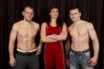 Čeští zápasníci (zleva) Petr Novák, Adéla Hanzlíčková a Tomáš Sobecký.