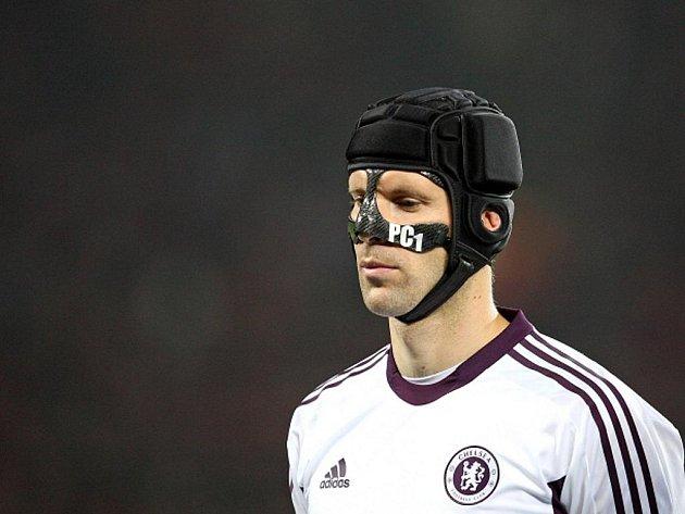 Gólman Chelsea Petr Čech v zápase s Leverkusenem.