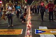 Tisíce Katalánců protestují v ulicích Barcelony proti uvěznění separatistických lídrů
