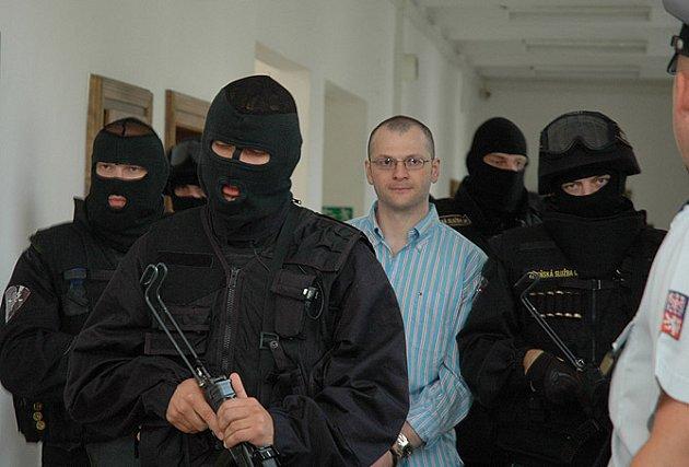 Od pondělka se zpovídá před středočeským krajským soudem pětice členů takzvaného Berdychova gangu, mezi nimi Tomáš Půta