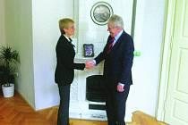REGIONY JSOU DŮLEŽITÉ, shodl se budoucí prezident Miloš Zeman s generální ředitelkou VLP Jitkou Bosákovou.