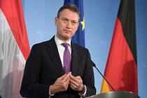 Odstupující ministr zahraničí Nizozemska Halbe Zijlstra