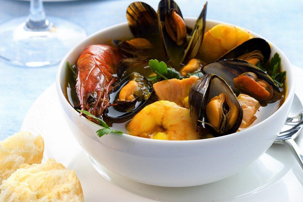 Pikantní polévka s mořskými plody
