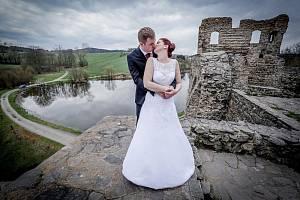 Uzavřené okresy a další protiepdemická opatření komplikují svatebčanům život. Ilustrační foto.
