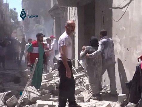 O město se intenzivně bojuje mnoho týdnů, o víkendu byly při náletech zasaženy čtyři polní nemocnice a krevní banka.