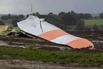 Část větrné elektrárny, která se v v německém Wriedelu zřítila kvůli silnému větru.