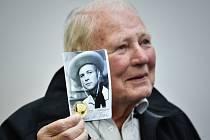 Herec a zpěvák Karel Fiala (na snímku z 12. března 2015), někdejší hvězda karlínské operety.