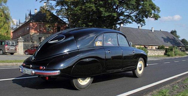 Tatra 600.