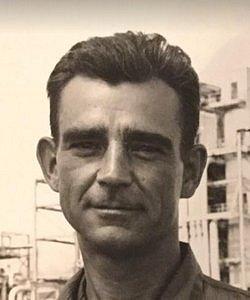 Seržant Joseph A. Stiborik, který coby navigátor navedl na cíl bombardér Enola Gray