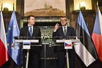 Estonský premiér Jüri Ratas a Andrej Babiš na tiskové konferenci