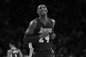 Hvězdný basketbalista Kobe Bryant tragicky zemřel ve věku 41 let.