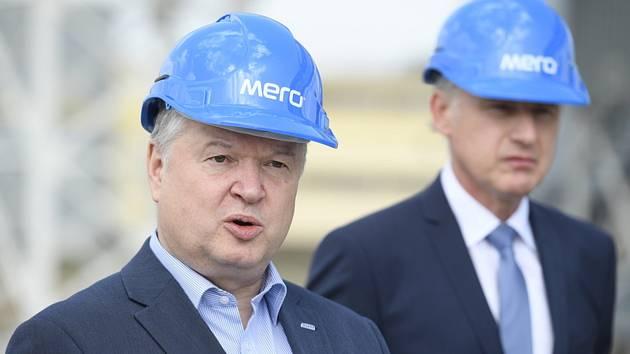 Předseda Správy státních hmotných rezerv (SSHR) Pavel Švagr (vlevo)