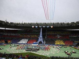 Fotbalové Euro ve Francii zahájil přelet stíhaček.