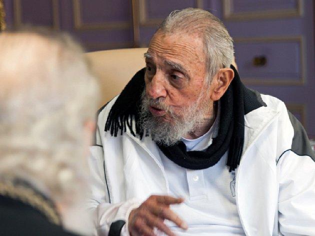 Kuba nepotřebuje od Spojených států žádné dary, Havana však usiluje o mírové soužití, napsal kubánský vůdce Fidel Castro.