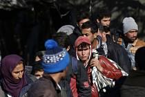 Srbsko a Makedonie začaly povolovat přechod přes svoje území jen uprchlíkům ze Sýrie, z Afghánistánu a z Iráku.