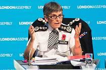 Policejní komisařka Cressida Dicková