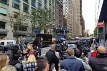 Policejní manévry před budovou CNN v New Yorku.