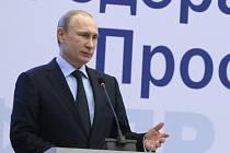 Ruský prezident dnes prohlásil, že jeho země čelí snaze zablokovat její rozvoj a zakonzervovat jednopolární svět v čele se Spojenými státy.