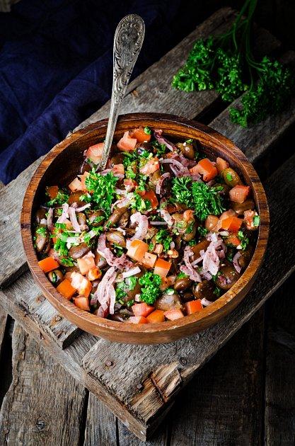Salát zfermentované zeleniny a obilovin