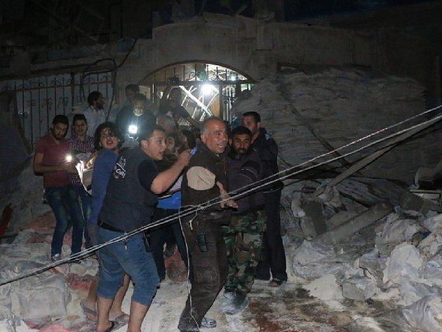 Při náletu syrského letectva byla v severosyrském městě Halab zasažena nemocnice.