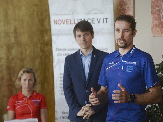 Šéftrenér triatlonové reprezentace Jan Řehula (vpravo).