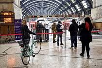 Kontrola pasažérů v Miláně