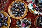 Slepičí, husí nebo pštrosí. Škrabání kraslic před Velikonocemi. Ve Vacenovicích na Hodonínsku se tradici učí i nová generace.