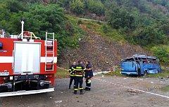 V Bulharsku se zřítil ze srázu autobus