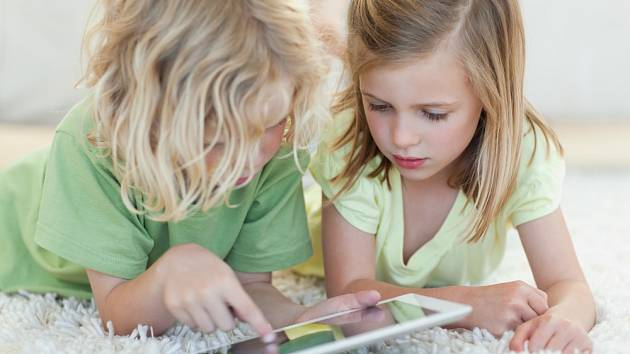 Děti a elektronika - Ilustrační foto