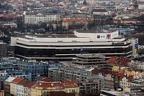 Pohled na Prahu z 27. patra City Tower v Praze.