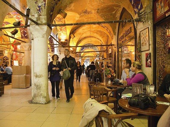 Velký bazar v tureckém Istanbulu.