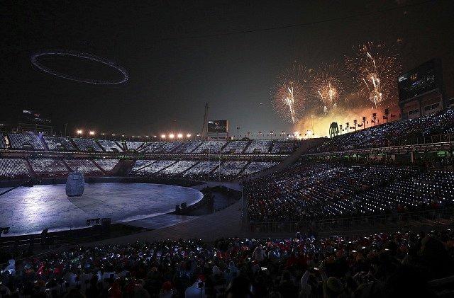 Během slavnostního zahájení OH v Koreji nesmí chybět ani ohňostroj.