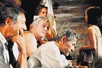 Ve filmu Poslední vlak se mezi ostatními českými herci objeví i Juraj Kukura jako židovský doktor Friedlich.