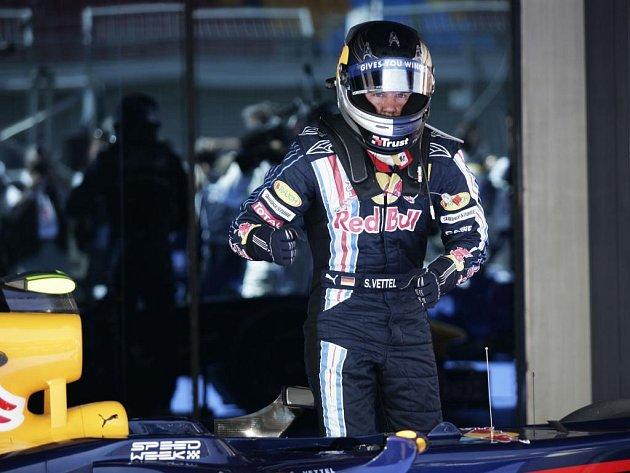 Pole position si vyjezdil Němec Sebastian Vettel.