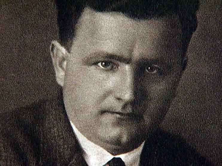 Klement Gottwald v době první republiky, kdy se chopil kormidla komunistické strany a zahájil její tvrdou bolševizaci