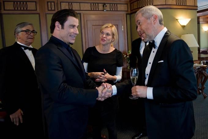 Pátek ve Varech: John Travolta. Snímek do rodinného alba Marka Ebena