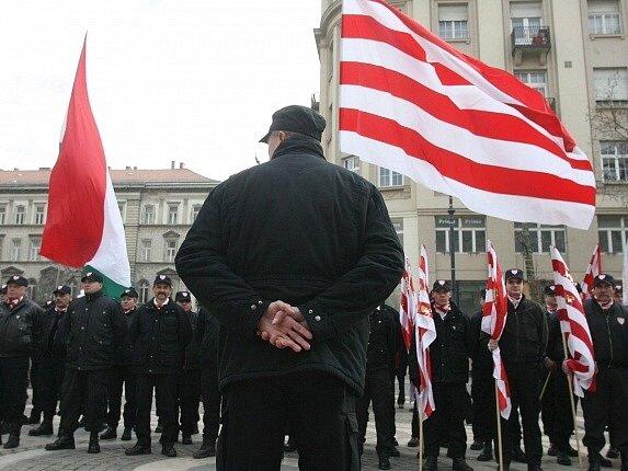 Nacionalistická Maďarská garda.