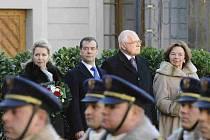Prezident Václav Klaus  s manželkou Livií přivítal 8. prosince na Pražském hradě ruského prezidenta Dmitrije Medveděva s chotí Světlanou.