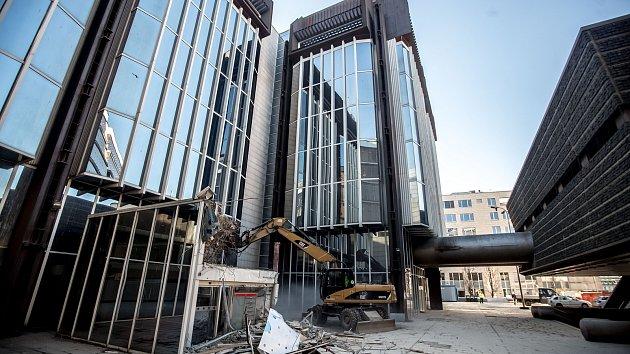 Demolice komplexu budov Transgas