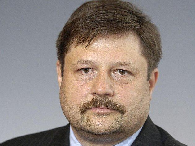 Sněmovna vydala poslance Petra Wolfa k trestnímu stíhání. Pro hlasovalo 67 zákonodárců z 124 přítomných.