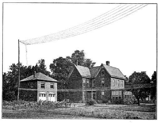 Pittsburghský dům doktora Franka Conrada, který tento rádiový fanoušek proměnil v první experimentální programovou rozhlasovou stanici 8XK